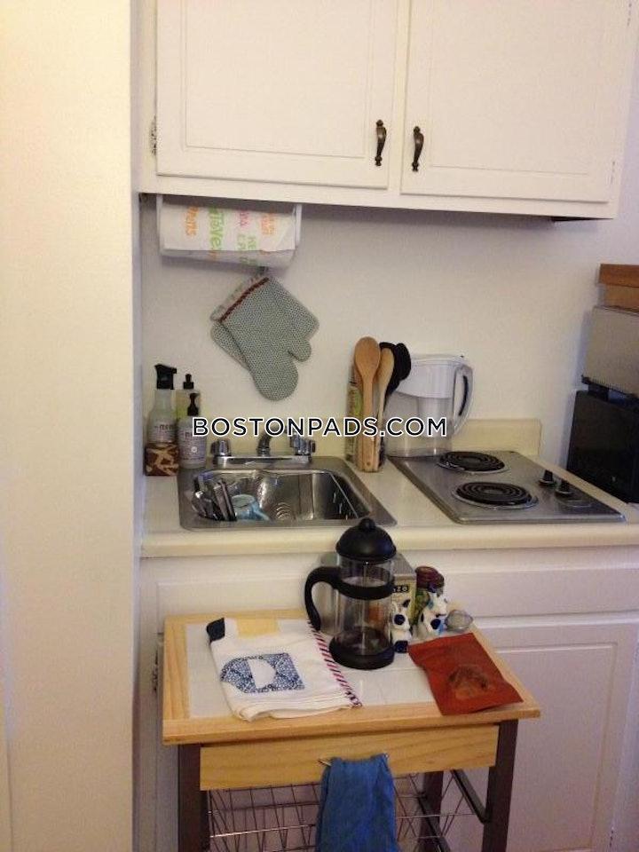 back-bay-apartment-for-rent-studio-1-bath-boston-1695-477073
