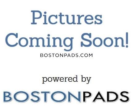 Boylston St. BOSTON - FENWAY/KENMORE