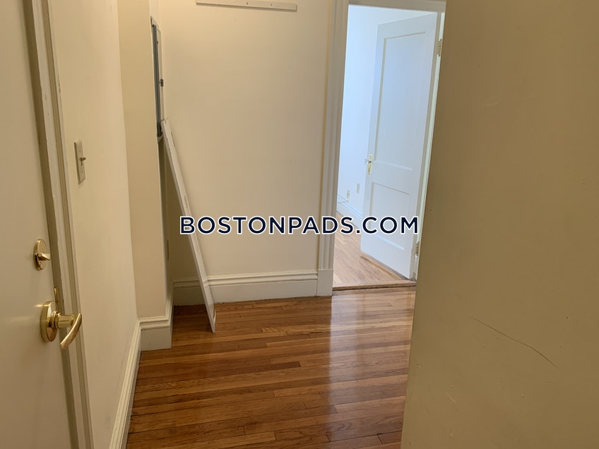 Boston - $2,125 /month