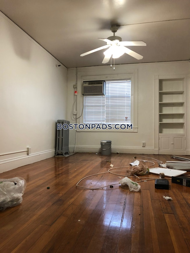 BOSTON - NORTHEASTERN/SYMPHONY - $2,490 /mo