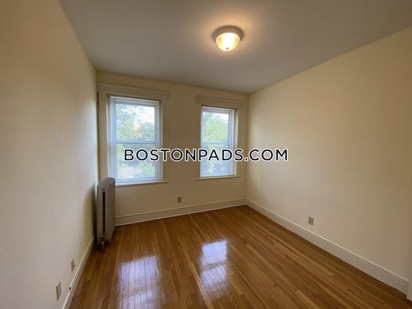 Boston - $2,300 /month