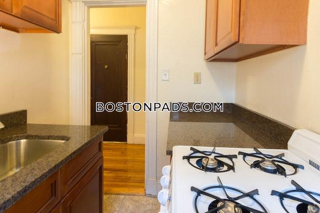 Boston - $1,900 /mo