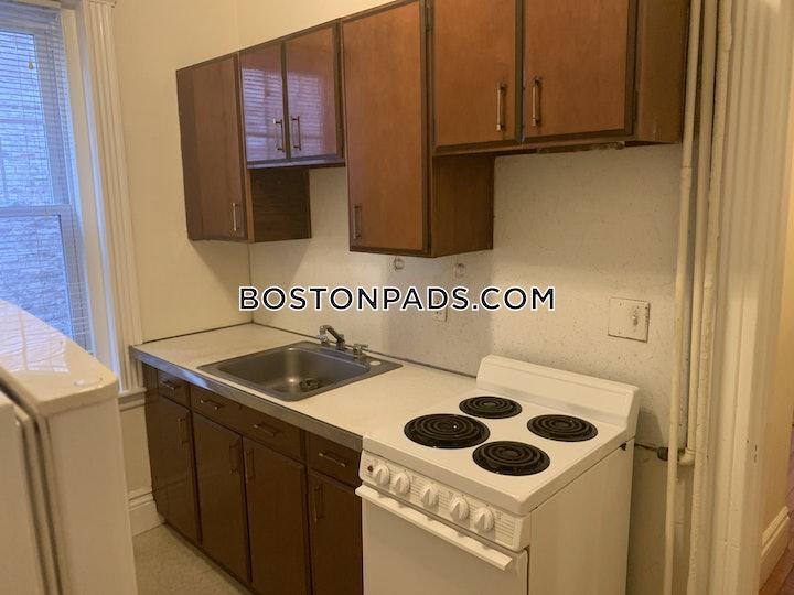fenwaykenmore-nice-1-bed-1-bath-on-dr-boston-1850-3713940