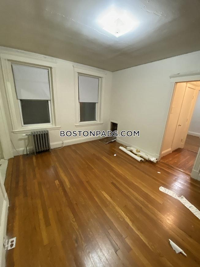 Boston - $2,250 /mo