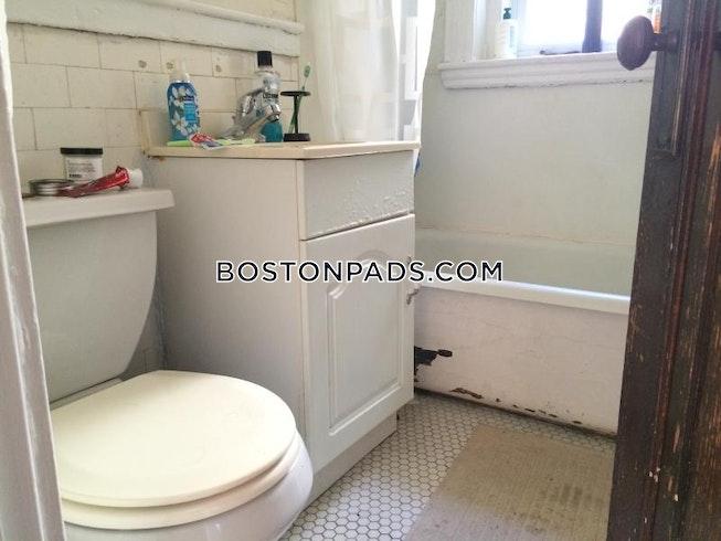 Boston - $2,100 /mo