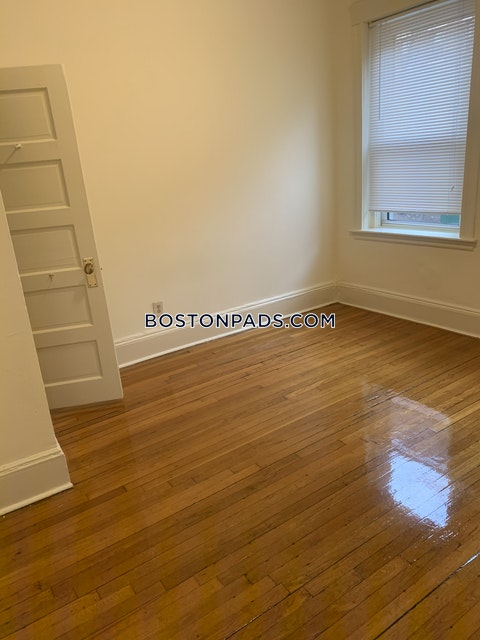 Queensberry St. Boston photo 8
