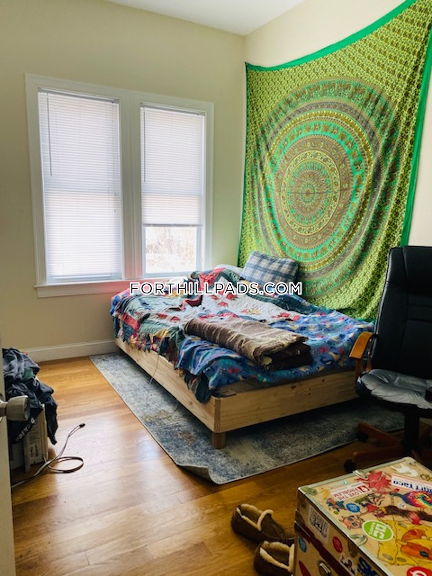 Boston - $4,000 /month