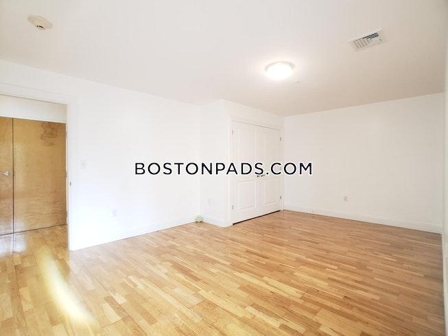Boston - $1,750 /mo