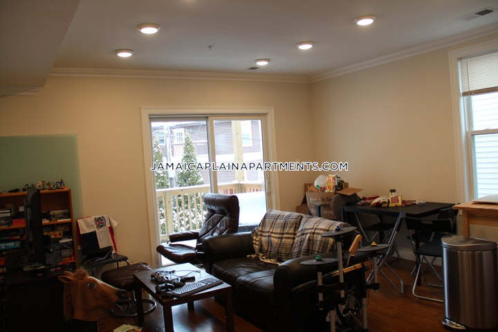 jamaica-plain-apartment-for-rent-3-bedrooms-2-baths-boston-2800-483649