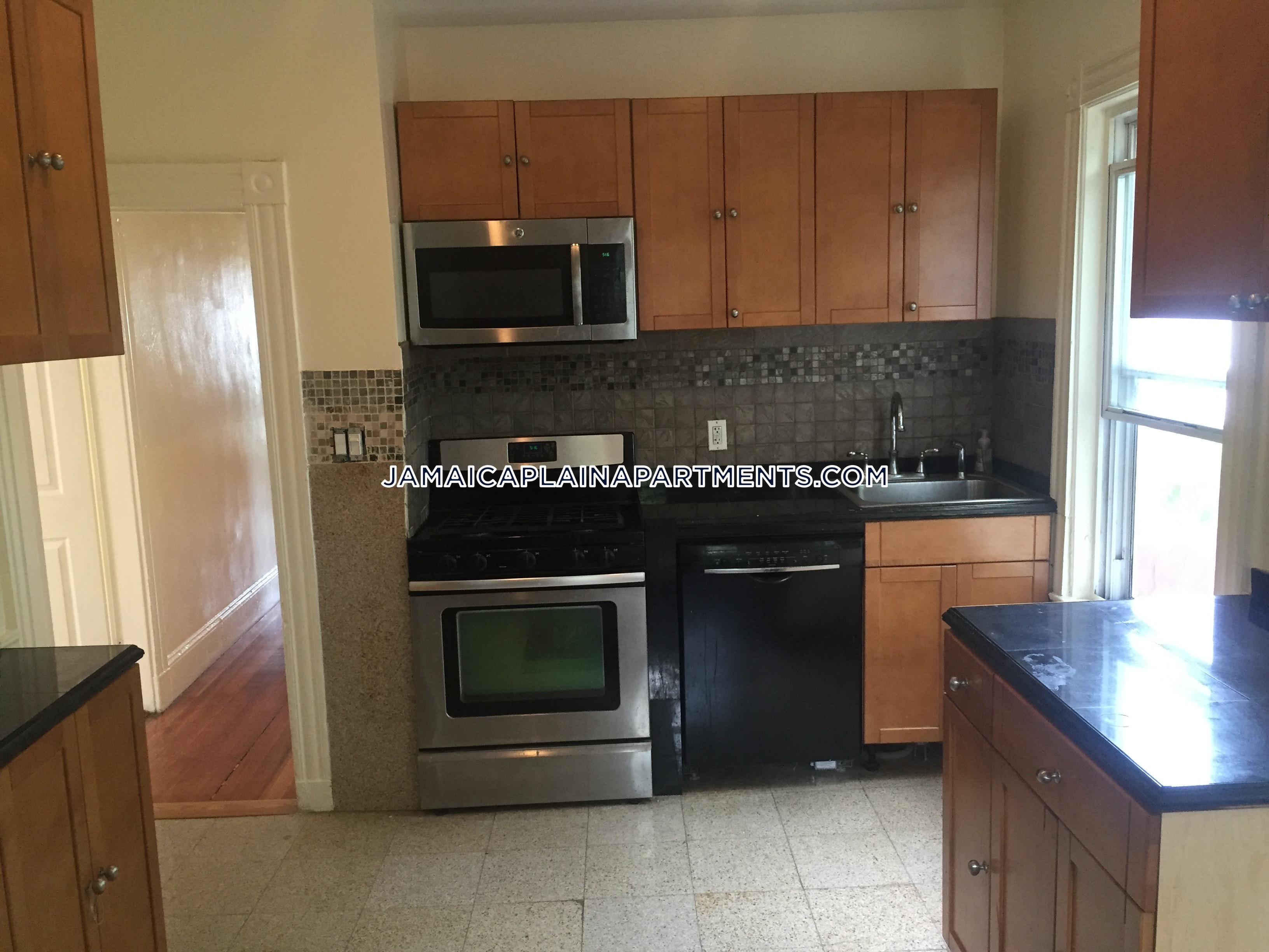 3-beds-1-bath-boston-jamaica-plain-stony-brook-2600-390574