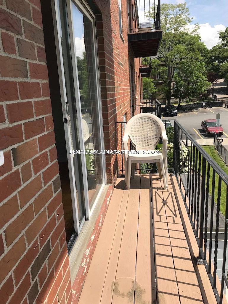 Robinwood Ave. BOSTON - JAMAICA PLAIN - STONY BROOK