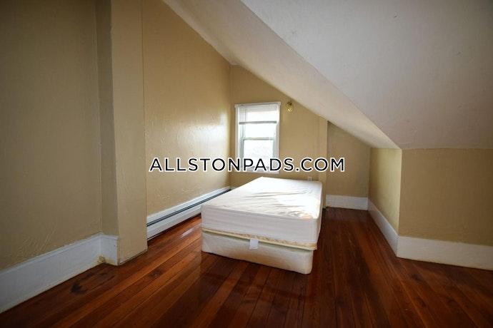 Boston - 6 Beds, 2 Baths