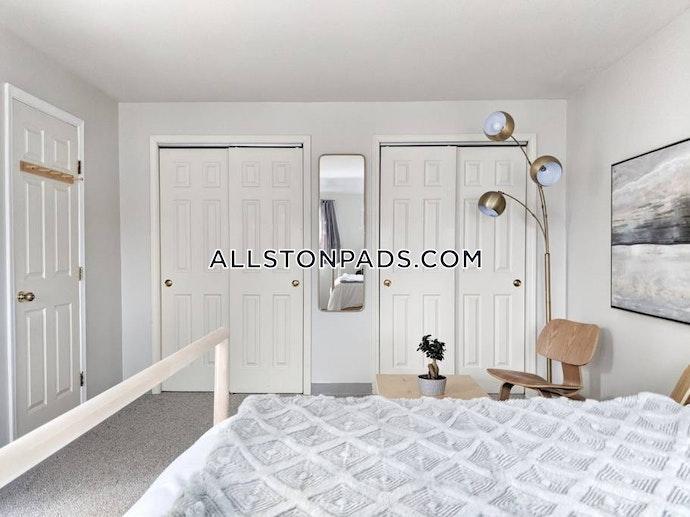 Boston - 3 Beds, 2.5 Baths