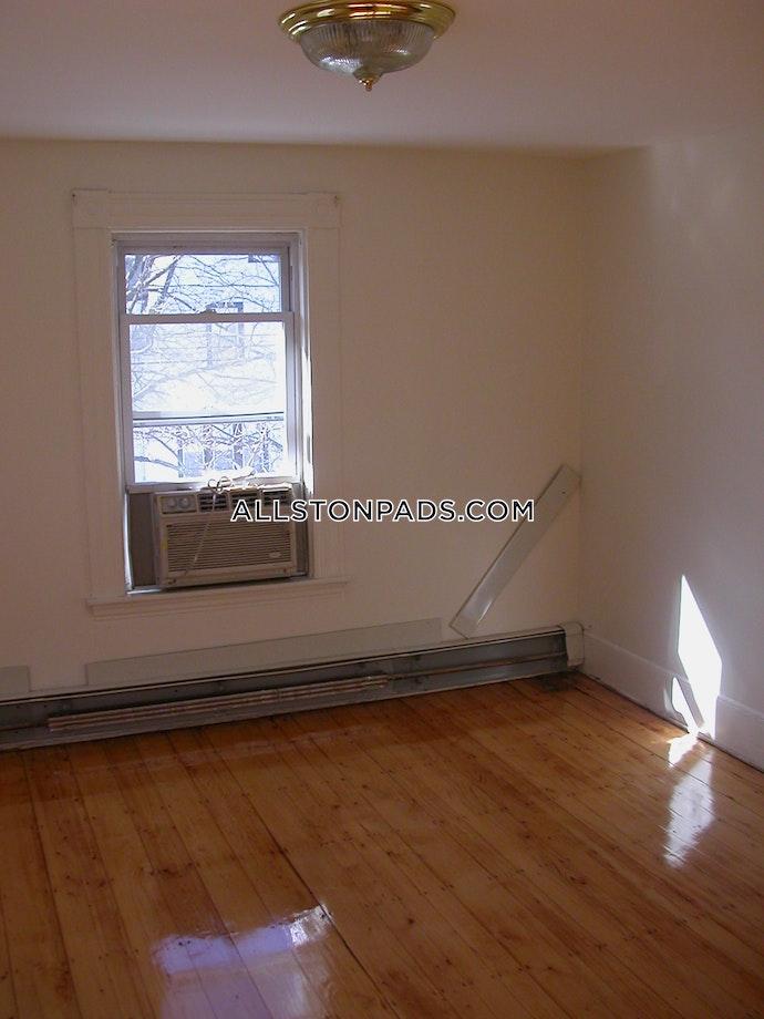 BOSTON - LOWER ALLSTON - 6 Beds, 2.5 Baths