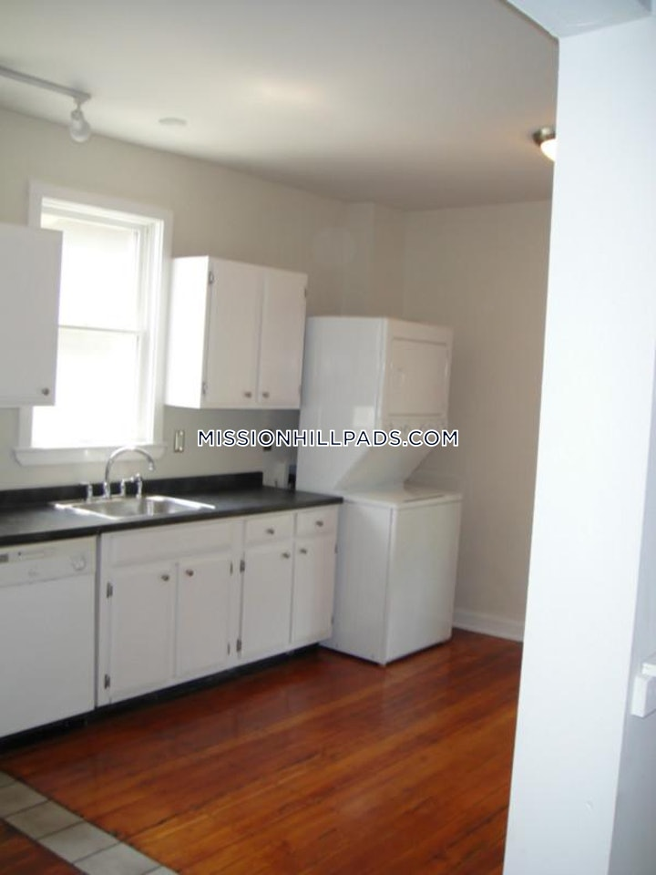 mission-hill-apartment-for-rent-5-bedrooms-2-baths-boston-5500-3743339