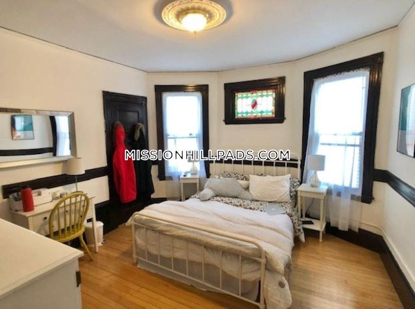 Boston - $3,200 /month
