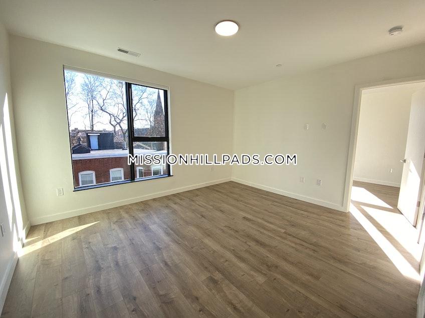 Boston - $2,458 /month