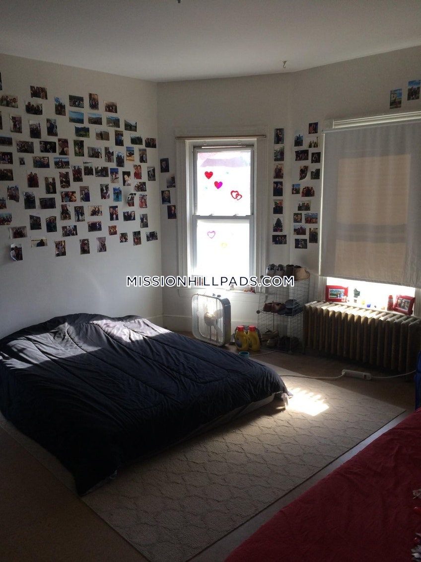 Boston - $3,950 /month