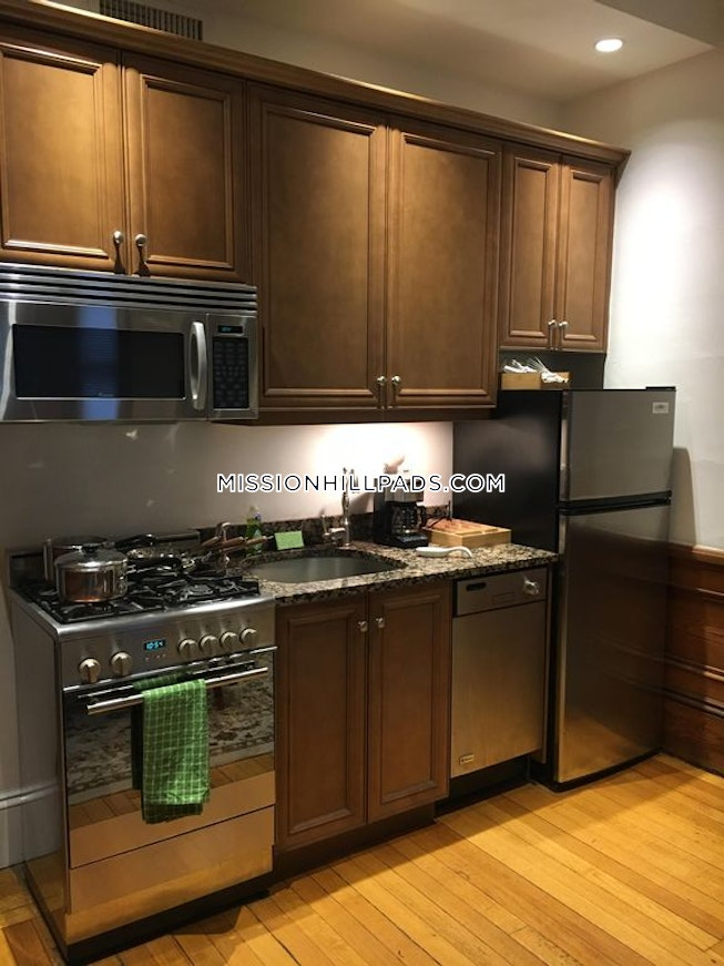 Roxbury Crossing - $4,000 /mo