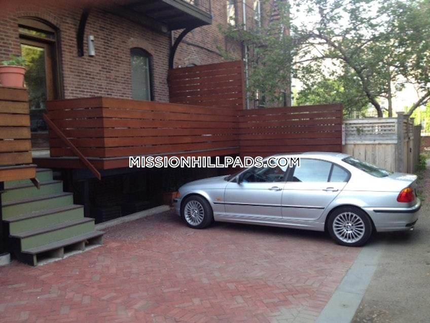 Boston - $5,500 /month