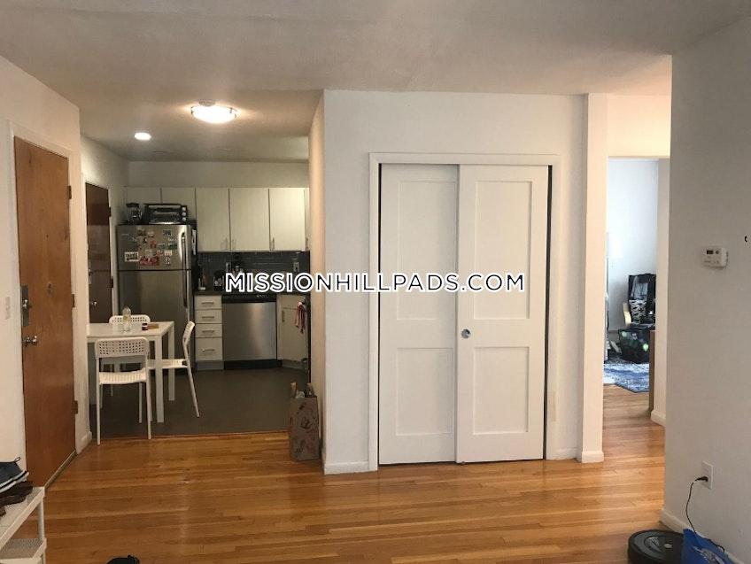 Boston - $2,704 /month