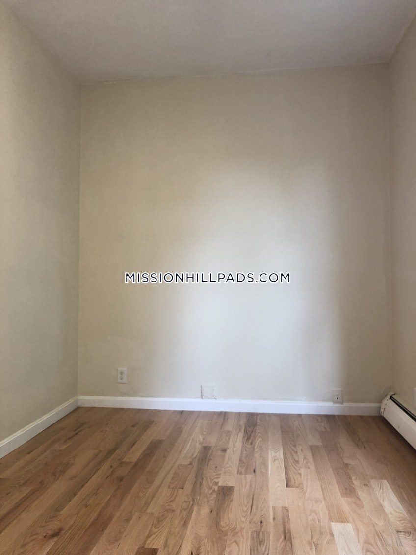Boston - $3,000 /month