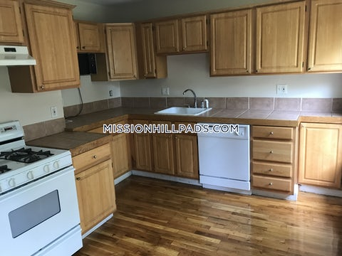 BOSTON - MISSION HILL - $3,100