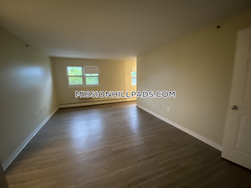Boston - $3,888 /month