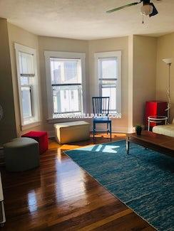 Boston, $3,700/mo