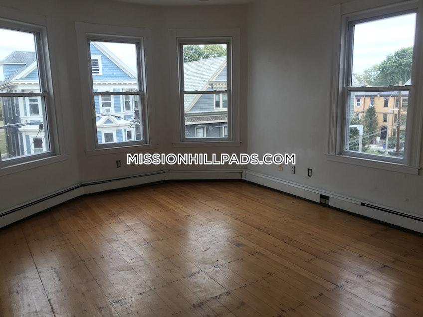 Boston - $2,800 /month