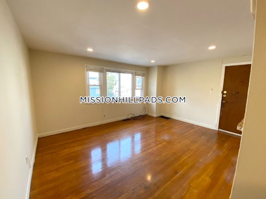 Boston - $2,100 /month