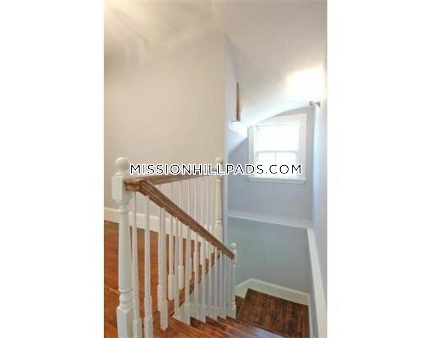 Boston - $7,750 /month