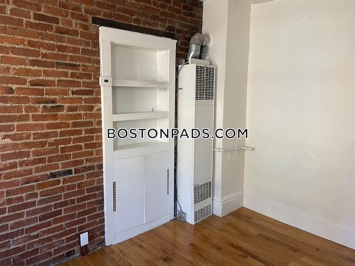 north-end-apartment-for-rent-2-bedrooms-1-bath-boston-2500-3816578