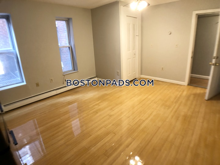 north-end-1-bed-1-bath-boston-1950-3817622