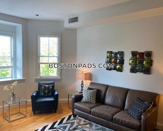 Boston - $2,700 /mo