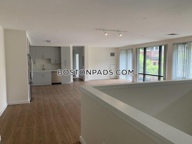 Boston - $4,900 /mo