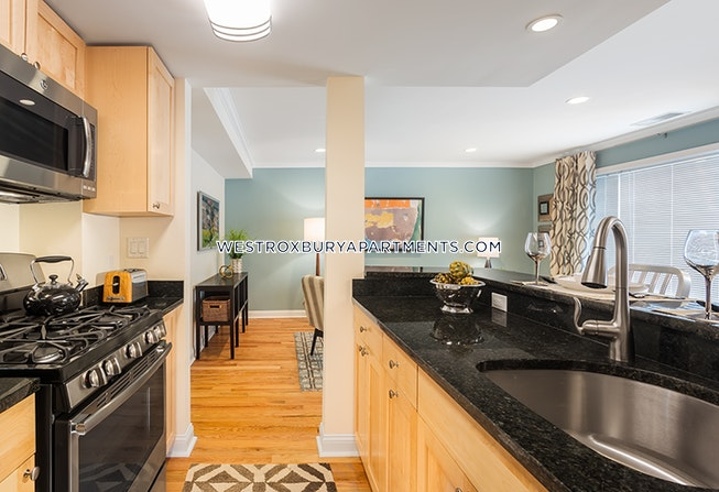 Chestnut Hill - $2,680 /mo