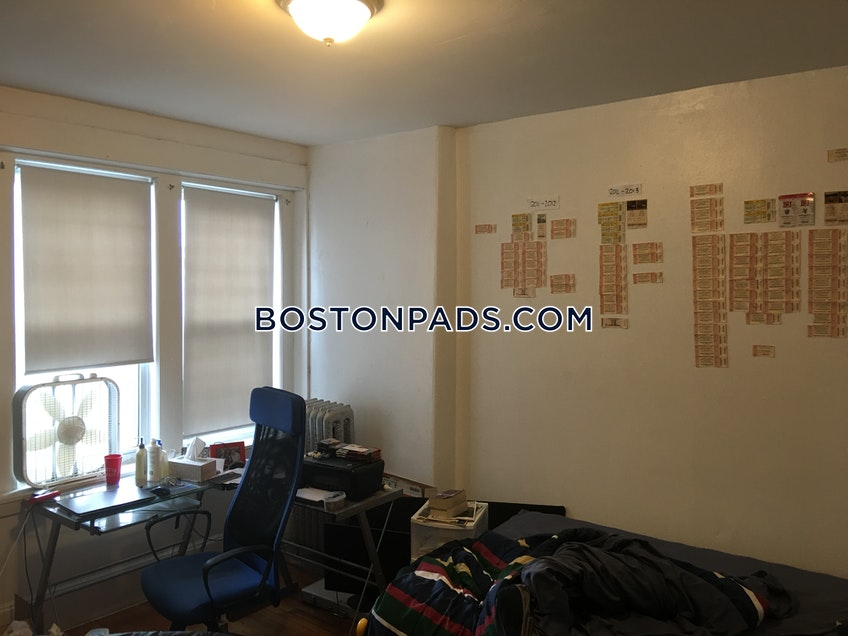 Boston - $2,700 /month