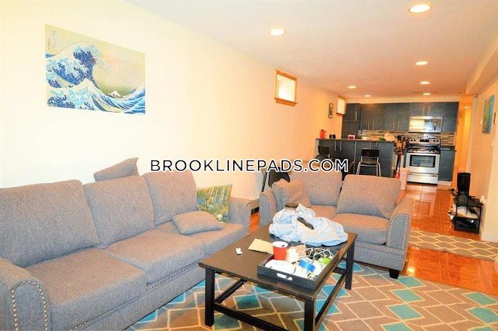 brookline-apartment-for-rent-3-bedrooms-2-baths-boston-university-3700-481649