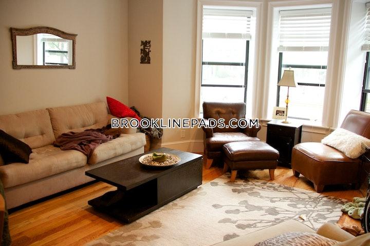 brookline-deal-alert-spacious-3-bed-2-bath-apartment-in-beacon-st-coolidge-corner-3695-587901