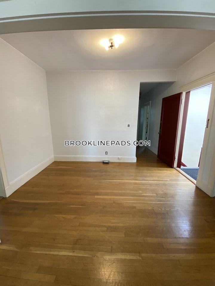 brookline-apartment-for-rent-3-bedrooms-1-bath-boston-university-3000-3773217