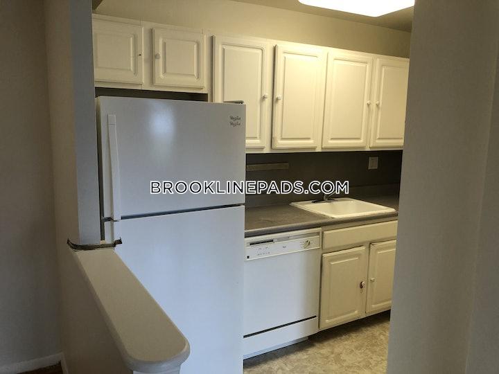 brookline-apartment-for-rent-2-bedrooms-2-baths-boston-university-3075-617661