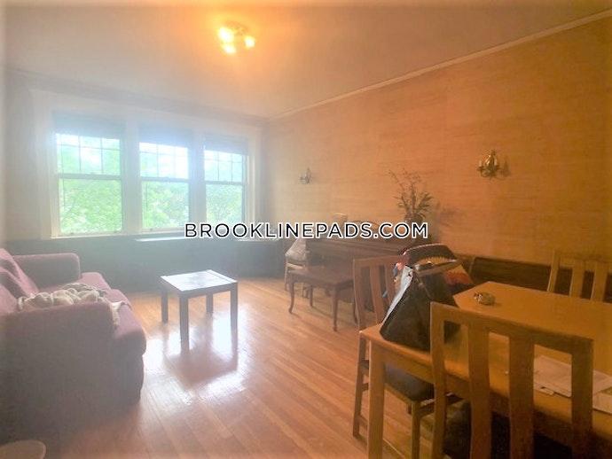 Brookline - 3 Beds, 1 Baths