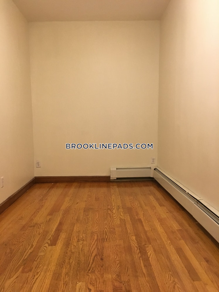 Brook St., BROOKLINE- BROOKLINE VILLAGE