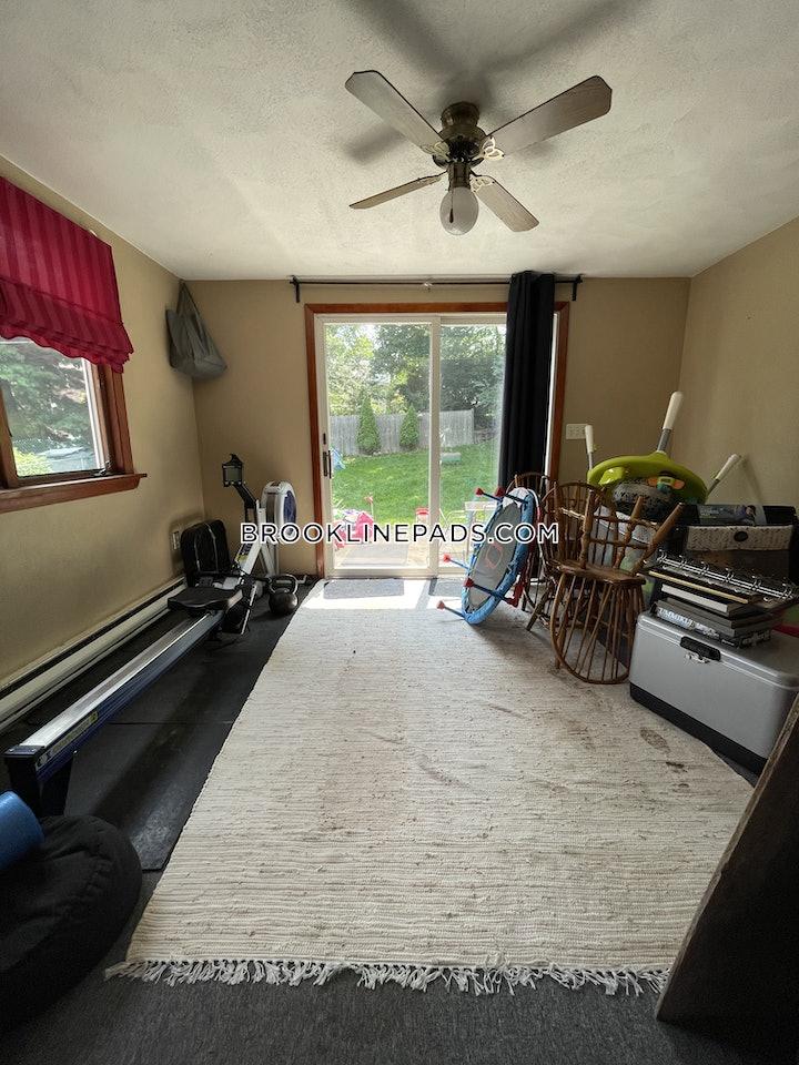 brookline-apartment-for-rent-3-bedrooms-2-baths-chestnut-hill-2800-3797213