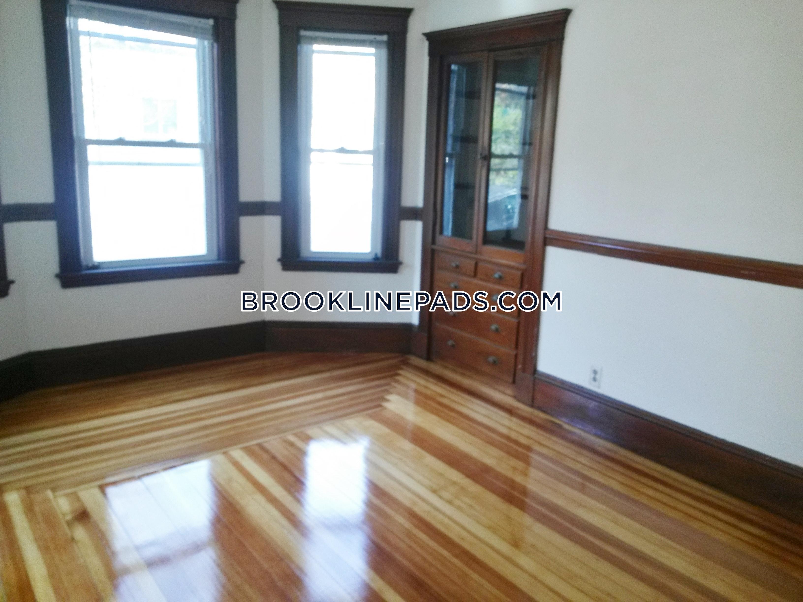3-beds-1-bath-brookline-chestnut-hill-2900-379809