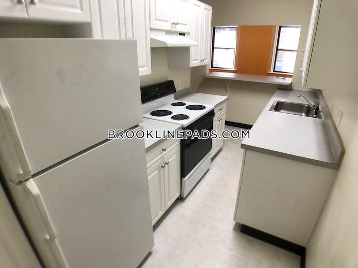 brookline-apartment-for-rent-3-bedrooms-1-bath-cleveland-circle-3500-3725629