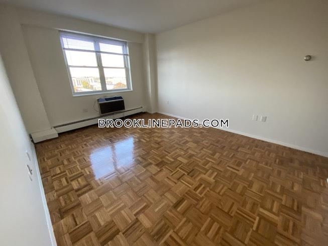 Brookline - $2,825 /mo