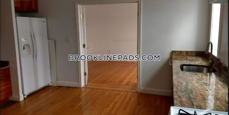Greenway Ct., Brookline