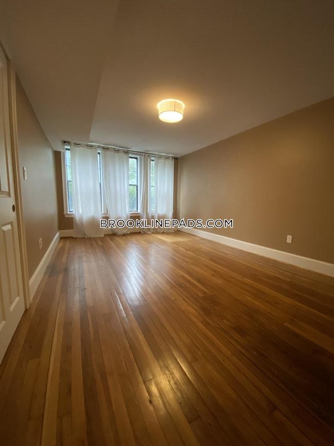 Brookline - $3,200 /mo